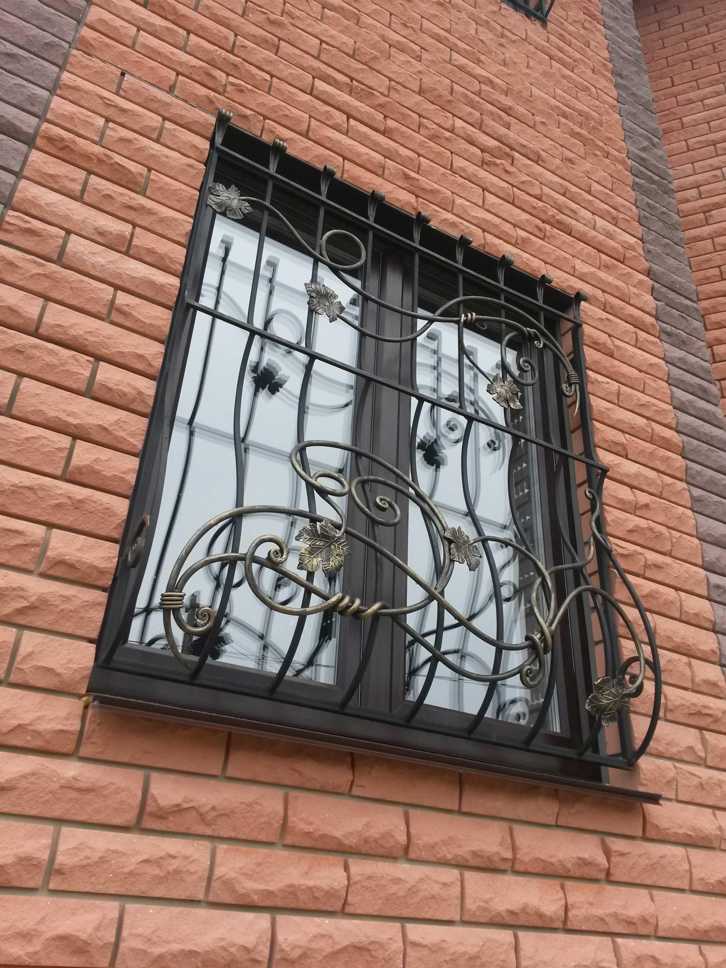 решетка кованая на окно фото
